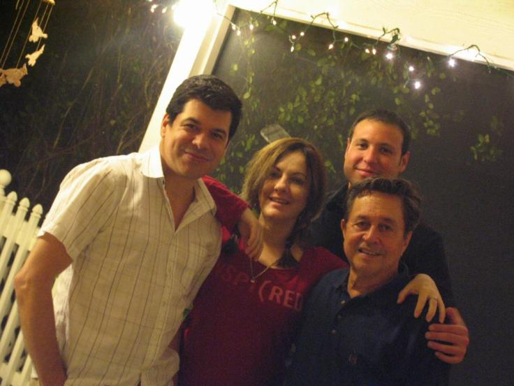 Eddy Diaz, Yvonne López Arenal, Oswaldo Córdova (al fondo) y Orlando Varona