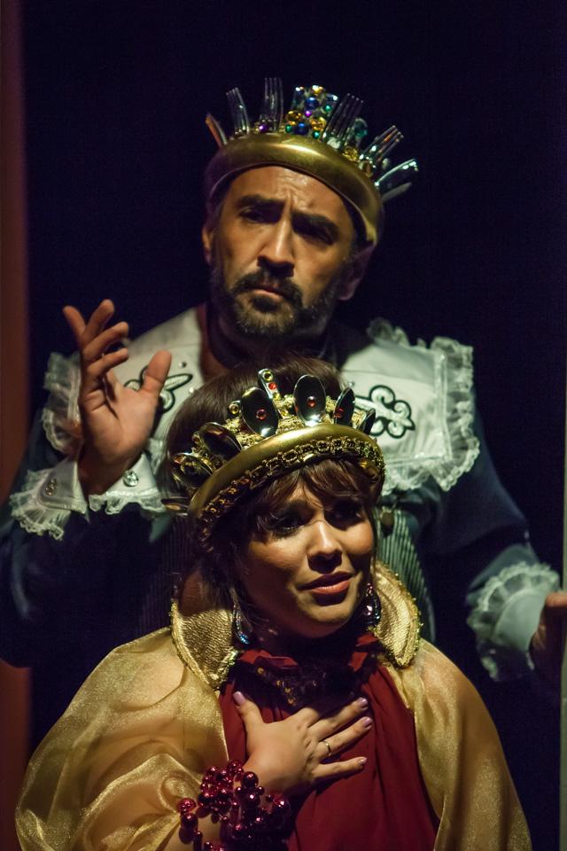 """Roxana Montenegro y Francisco Porras en """"El príncipe y el mar"""". Foto: Julio de la Nuez."""