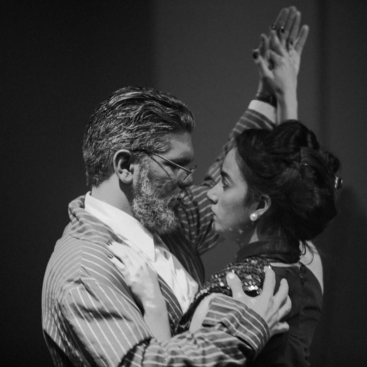 """Alain Casalla y Rosabel Ceballo en """"Abrázame fuerte"""". Foto: Julio de la Nuez."""